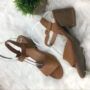 Old Navy Leather matte block heels strappy standal